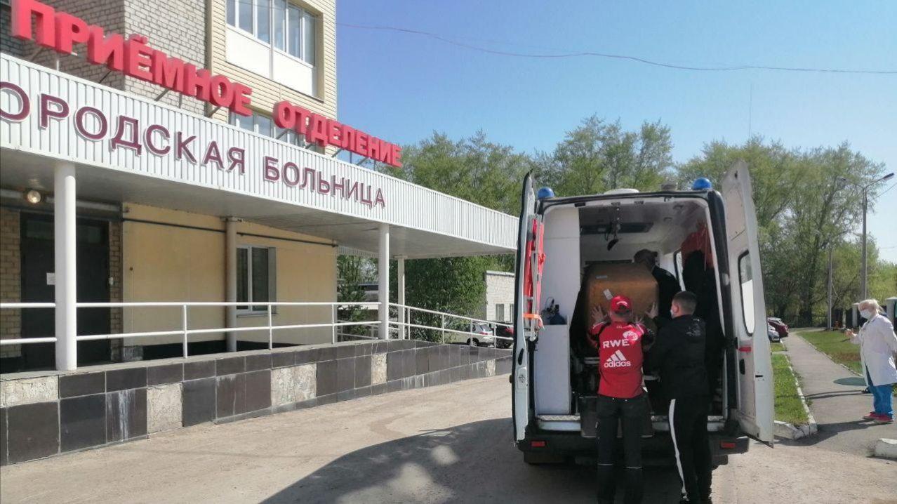 Трубная металлургическая компания подарила 162 тысячи масок городской больнице и станции скорой помощи