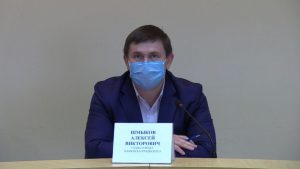 Глава Каменска-Уральского Алексей Шмыков призвал оберегать медиков города