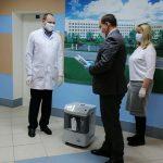 Городская больница получила в подарок от ТМК мобильные кислородные концентраторы