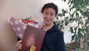 80 лет исполнилось известному врачу в Каменске-Уральском, но из профессии она уходить не собирается